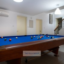Lower ground floor with pool table and two en-suite bedrooms
