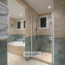 En-suite with tub and walk-in shower