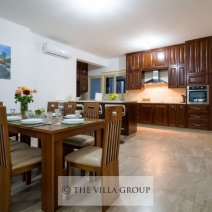 Open plan dining area and fully equipped kitchen