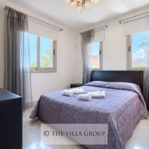 Beautifully furnished double bedroom