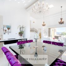 Elegantly furnished dining area for up to 6 people