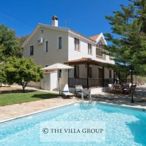 4 bedroom villa with private swimming pool