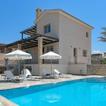 Villa  For Rent in Limni Ref.491667