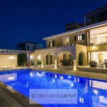 Luxurious 5 bedroom villa located in Aphrodite Hills